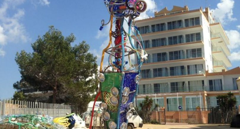 Ibiza Diary-recycled art with the rubbish of the beaches